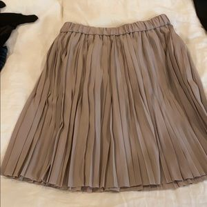 Pleat skirt brand new